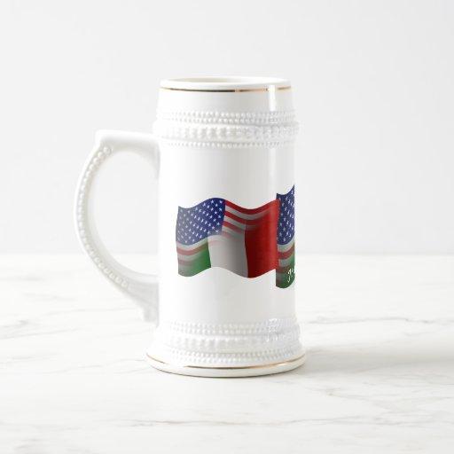 Bandera que agita Italiano-Americana Tazas De Café