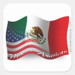 Bandera que agita mexicana-americano pegatina cuadrada