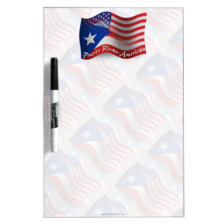Bandera que agita Rican-Americana de Puerto Pizarra