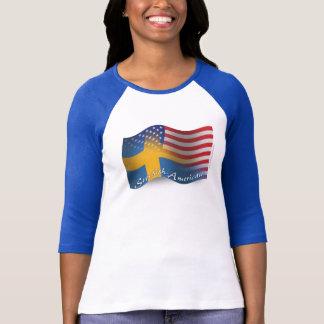 Bandera que agita Sueco-Americana T Shirts