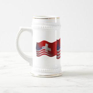 Bandera que agita Suizo-Americana Jarra De Cerveza