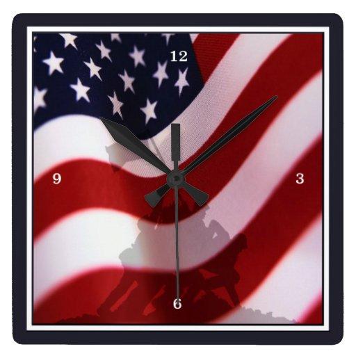 Bandera que aumenta en Iwo Jima Reloj Cuadrado