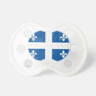 Bandera rascada y rasguñada de Quebec Chupetes De Bebé