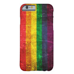 Bandera rasguñada y llevada del arco iris del funda de iPhone 6 barely there