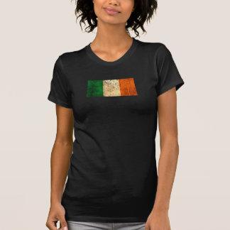 Bandera rasguñada y llevada del irlandés del vinta camiseta