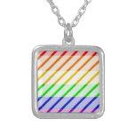 Bandera rayada del orgullo gay pendiente