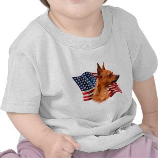 Bandera (roja) del Pinscher miniatura Camisetas