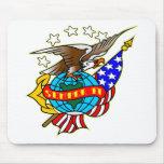 Bandera Semper Fi de Eagle del tatuaje del viejo e Alfombrilla De Ratones