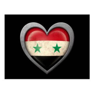 Bandera siria del corazón con efecto del metal tarjeta postal
