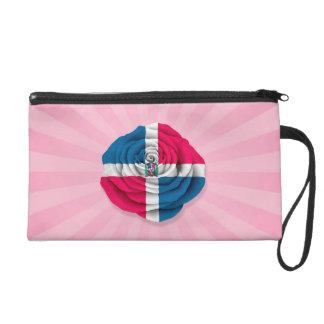 Bandera subió de la República Dominicana en rosa