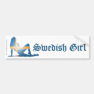 Bandera sueca de la silueta del chica etiqueta de parachoque