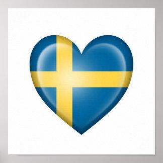 Bandera sueca del corazón en blanco póster