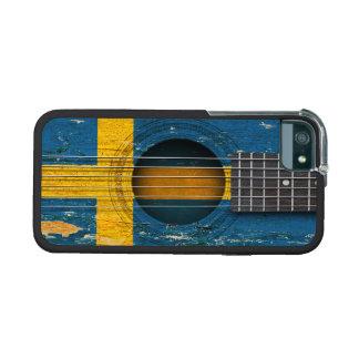 Bandera sueca en la guitarra acústica vieja