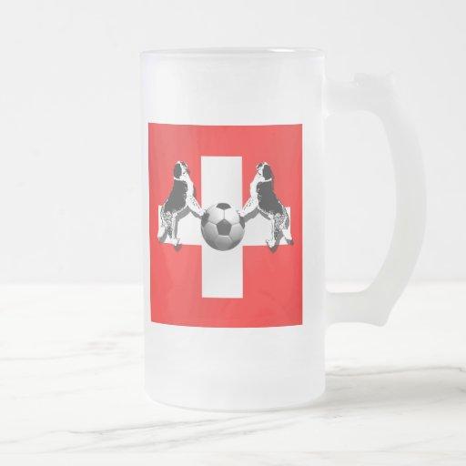 Bandera suiza del fútbol de St Bernard de los rega Tazas