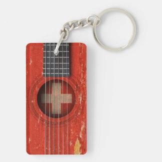 Bandera suiza en la guitarra acústica vieja llavero rectangular acrílico a doble cara