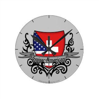 Bandera Suizo-Americana del escudo Reloj Redondo Mediano