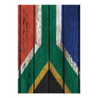 Bandera surafricana con efecto de madera áspero de invitación