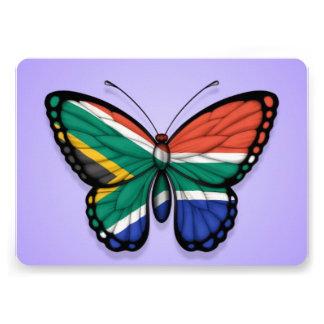 Bandera surafricana de la mariposa en púrpura invitaciones personales