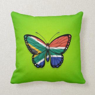 Bandera surafricana de la mariposa en verde cojín decorativo