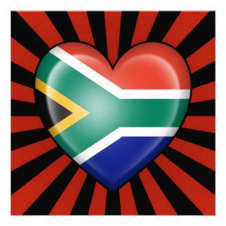 Bandera surafricana del corazón con la explosión d invitación