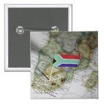 Bandera surafricana en mapa pin cuadrada 5 cm