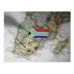 Bandera surafricana en mapa tarjeta postal