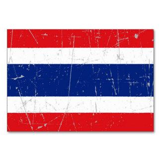Bandera tailandesa rascada y rasguñada