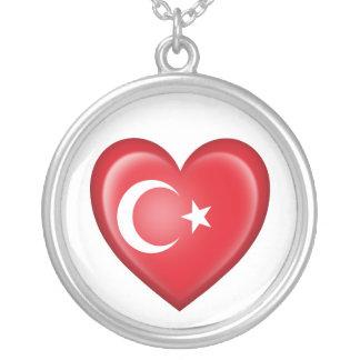 Bandera turca del corazón en blanco colgante redondo