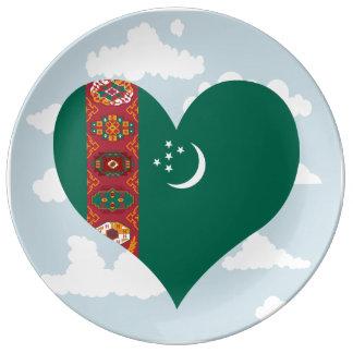 Bandera turcomana en un fondo nublado