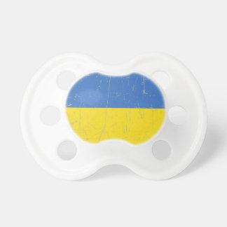 Bandera ucraniana rascada y rasguñada chupetes de bebe