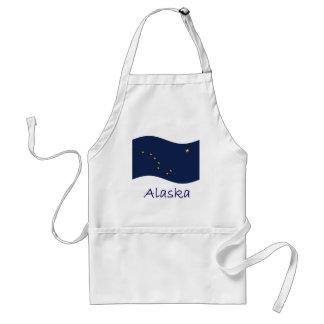 Bandera y nombre de Alaska que agita Delantal