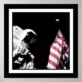 Bandera y tierra posters