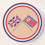 Banderas cruzadas BRITÁNICAS y de Corea del Norte Posavaso Para Bebida