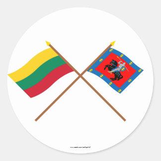 Banderas cruzadas condado de Lituania y de Vilna Pegatina Redonda
