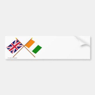 Banderas cruzadas d Ivoire de Reino Unido y de Cot Pegatina De Parachoque