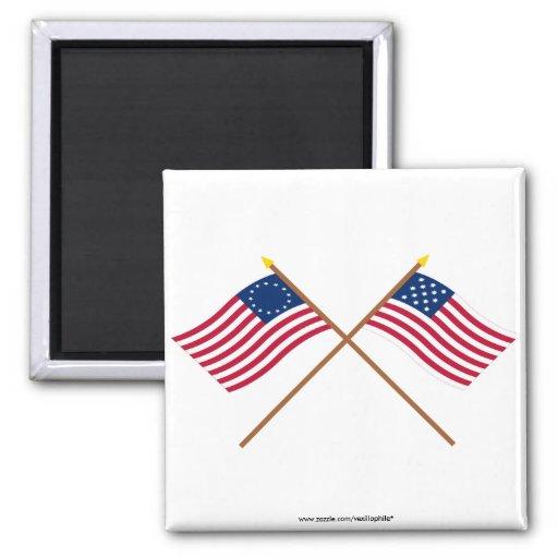 Banderas cruzadas de Alliance de Betsy Ross y de l Imán Cuadrado