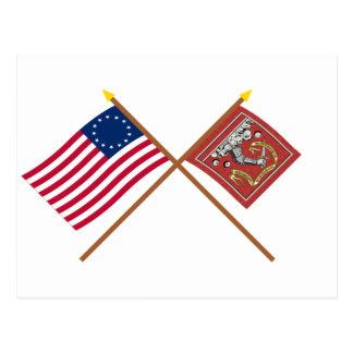 Banderas cruzadas de Betsy Ross y de Bedford Postales