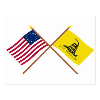 Banderas cruzadas de Betsy Ross y de Gadsden Postal