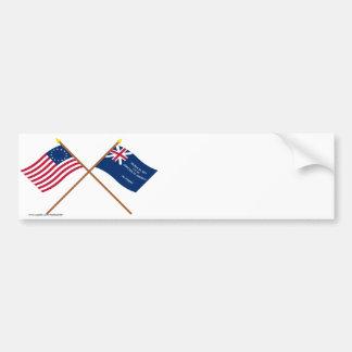 Banderas cruzadas de Betsy Ross y de George Rex Etiqueta De Parachoque