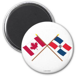 Banderas cruzadas de Canadá y de la República Domi Iman