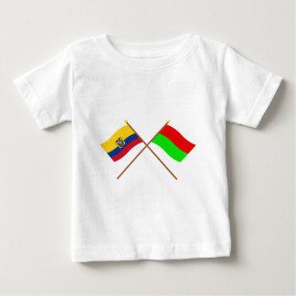 Banderas cruzadas de Ecuador y de Bolívar Playeras