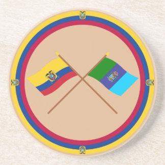 Banderas cruzadas de Ecuador y de Santa Elena Posavasos Personalizados