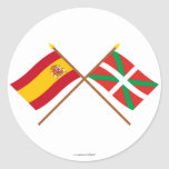 Banderas cruzadas de España y de País Vasco Pegatina Redonda