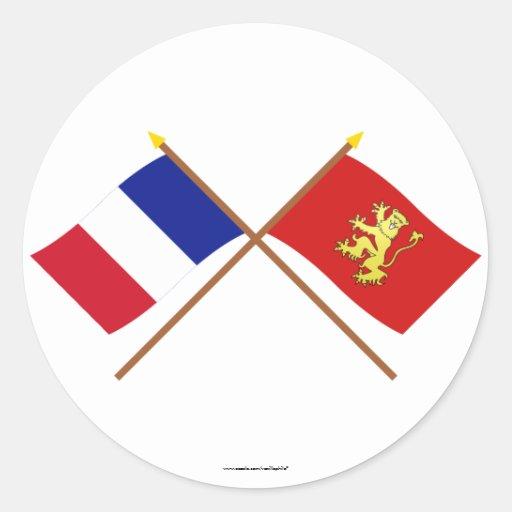 Banderas cruzadas de Francia y de Aveyron Etiqueta Redonda