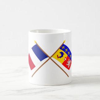 Banderas cruzadas de Francia y de Rhône Alpes Tazas