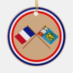 Banderas cruzadas de Francia y Saint Pierre y Miqu Ornamento De Reyes Magos
