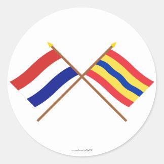 Banderas cruzadas de Holanda y de Overijssel Pegatina Redonda