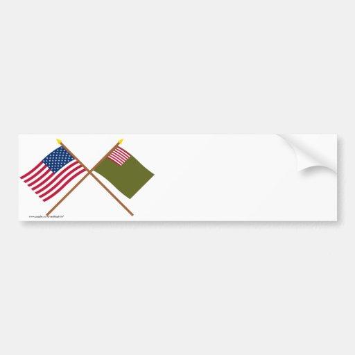 Banderas cruzadas de la milicia de los E.E.U.U. y  Etiqueta De Parachoque