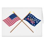 Banderas cruzadas de la rebelión de los E.E.U.U. y Felicitación
