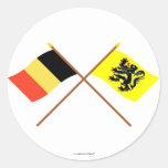 Banderas cruzadas de la región de Bélgica y de Pegatina Redonda